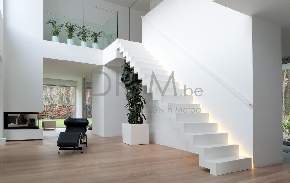 Dr m design trappen leuningen smeedwerk - Moderne designtrappen ...